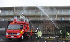 実際の消防機材を使用した本格的な訓練