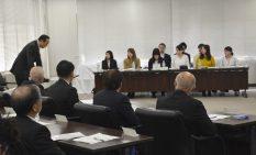 学生の提案に「驚く提案ばかりだった」と述べた加山市長