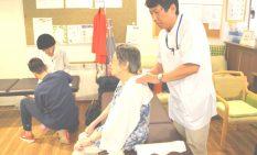 相模大野の高齢者施設で開いたマッサージ体験