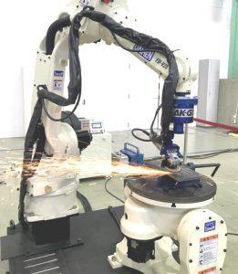 市内2事業所が提案する研磨ロボット
