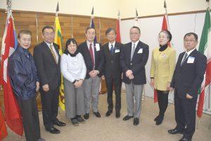 杉岡ガバナーエレクト(右から4人目)と相模原市内RCの役員ら